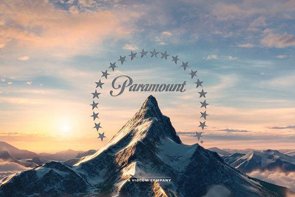 پرونده پارامونت ورق می خورد، کوهی ایستاده میان ستارگان